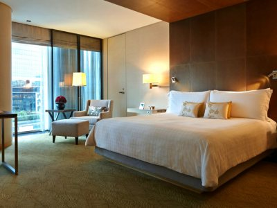 Four Seasons Hotel Tokyo at Marunouchi Deluxe King Room