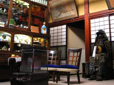 Antique Inn Sumiyoshi for Japan Travel Packages (JapanTravelPackages.com)